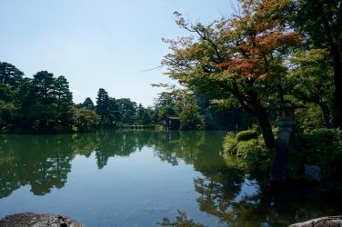 The main pond of Kenrokuen Garden