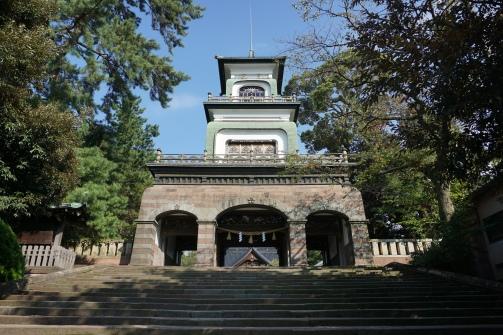 Oyama Jinja Shrine entry gate