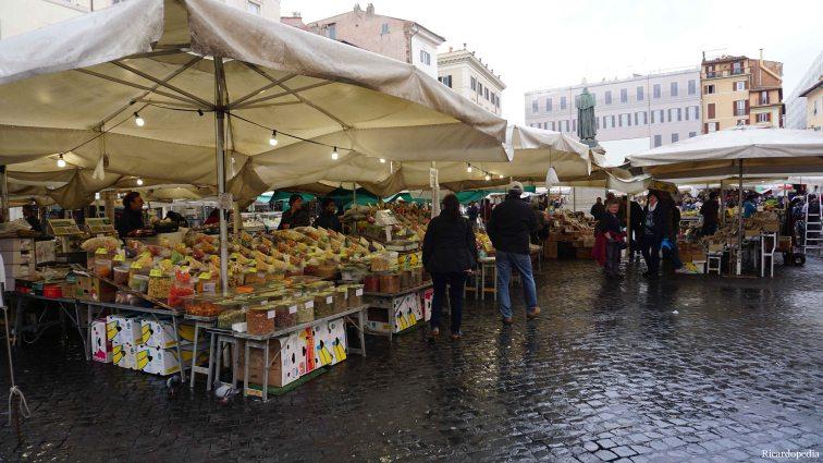The morning market at Campo de' Fiori