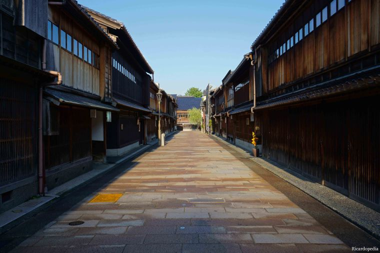Kanazawa Higashi Chaya District