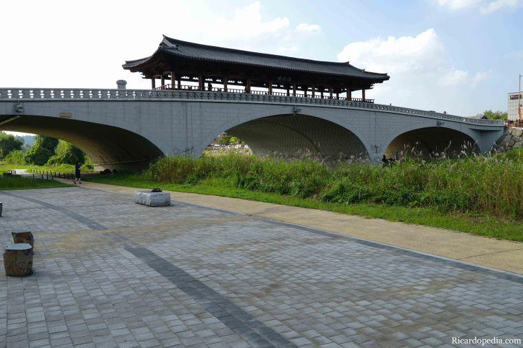 Jeonju Korea Jeonjuchun River Namchungyo Bridge