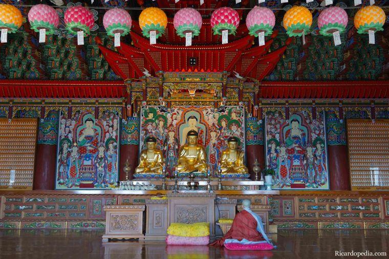 Busan Korea Haedong Yonggungsa Temple